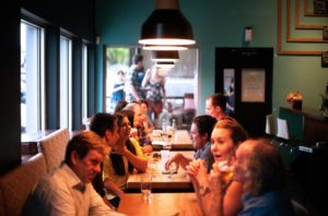 repas entre collegues - bien etre employes
